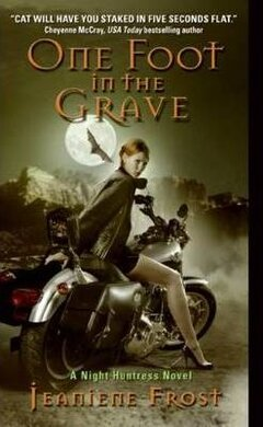 Night Huntress. Book 2: One Foot in the Grave - фото книги
