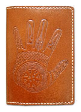 """Обкладинка на паспорт """"Рука"""" світло-коричневий - фото книги"""