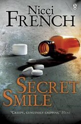 Secret Smile : With a new introduction by Erin Kelly - фото обкладинки книги