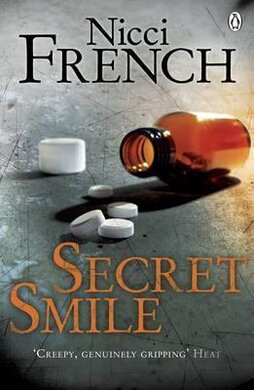 Secret Smile : With a new introduction by Erin Kelly - фото книги