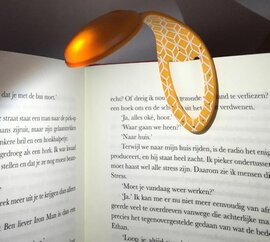 Закладка Flexilight Orange Geometrical New - фото книги